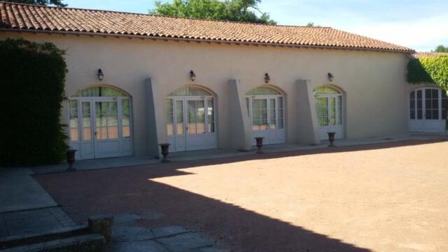 Cour extérieur entrée salle Montrouge